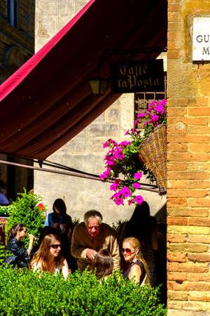 May 10, 2014 - Pienza, Italy: Piazza Pio II in Pienza Tuscany Italy Imagens - 78370577