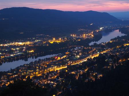 노르웨이의 Drammen city 야경