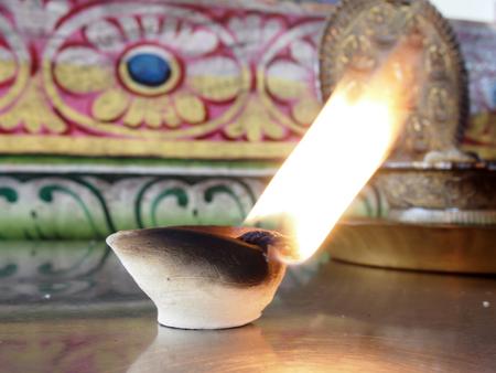 hinduism: Velas para los rituales del hinduismo