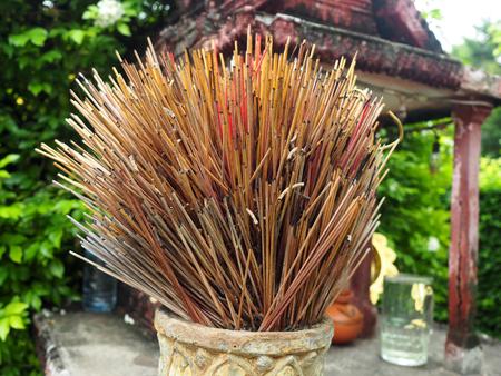 Incense pot at the spirit house. Standard-Bild