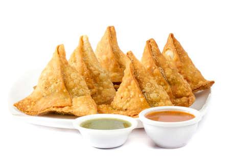 """Cuisine traditionnelle indienne spécialisée dans la rue """"SAMOSA"""" Banque d'images - 87009241"""