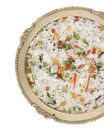 świeże i zdrowe Veg biryani lub kaszmirski pulav podawane w misce