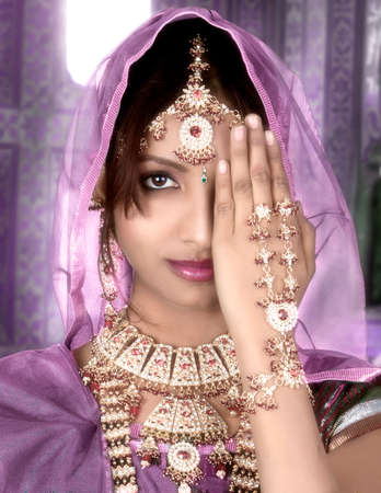 A beautyful Indian girl in bride casual Standard-Bild