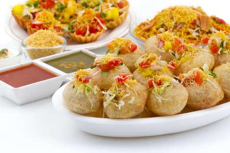 Indisches traditionelles gesundes Essen Sev Puri. Standard-Bild