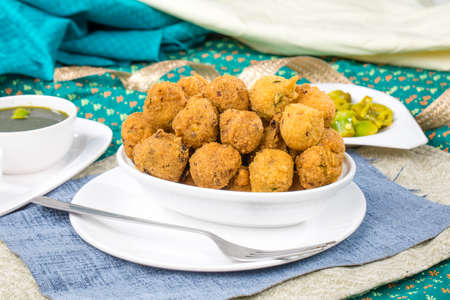 Indian Street Food Dal Vada Banco de Imagens - 128602263