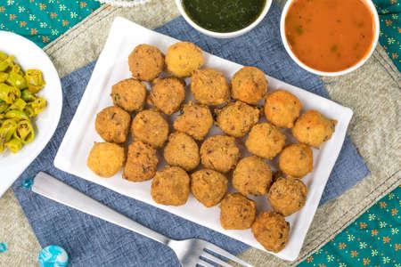Indian Street Food Dal Vada Banco de Imagens - 128602444