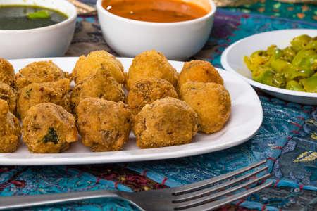 Indian Street Food Dal Vada Banco de Imagens - 128602451