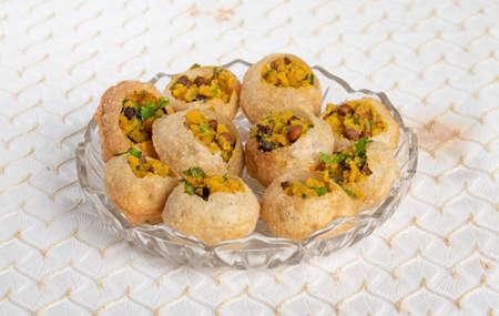 The Traditional Indian Spicy Street Food Gol Gappa or Pani Puri 免版税图像