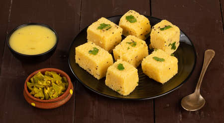 古吉拉特著名的食物卡曼多卡拉食物