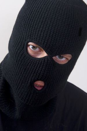 Böse Strafverfahren Tragen militärischen Maske  Standard-Bild - 1648768