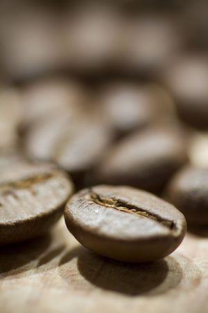 coffee beans background, selective focus Standard-Bild