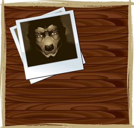 Una foto di un mostro su un tavolo di legno. Archivio Fotografico - 41694306