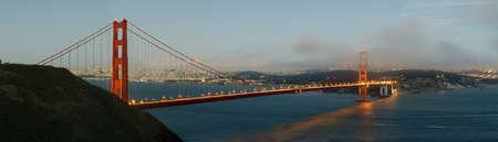 Golden Gate Bridge al atardecer