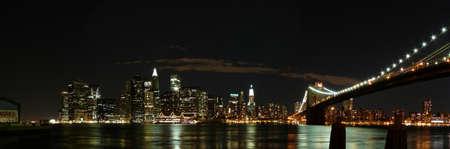 Manhattan por la noche Editorial