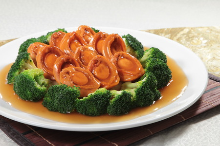 A cuisine photo of braised abalone Imagens