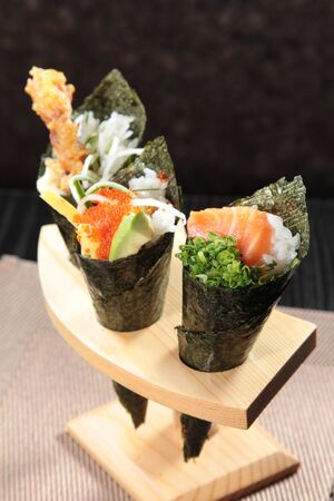 A cuisine photo of hand roll