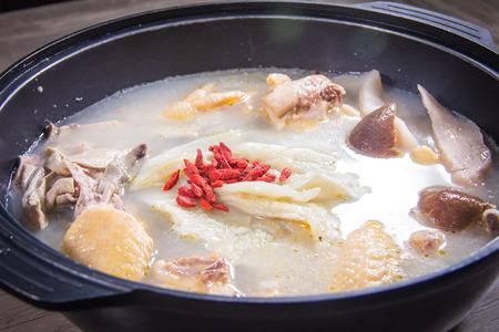 A cuisine photo of broth