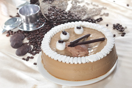 cupcake illustration: A cuisine photo of cake