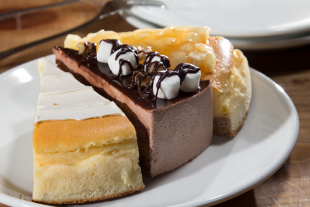A cuisine photo of cake