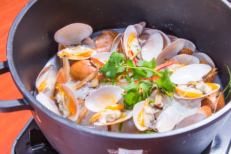 mussel: A cuisine photo of clam