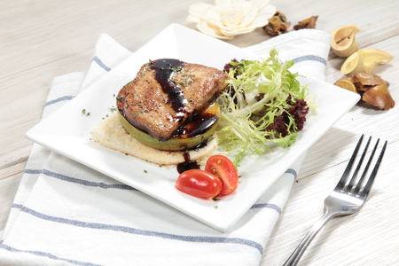 a cuisine photo of foie gras