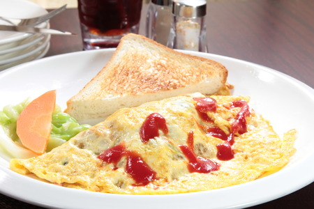 a cuisine photo of omelette