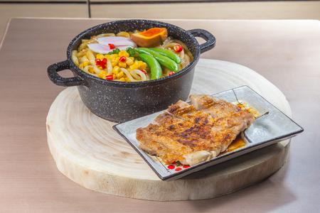 japanese cuisine: a cuisine photo of ramen