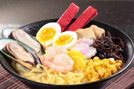a cuisine photo of ramen