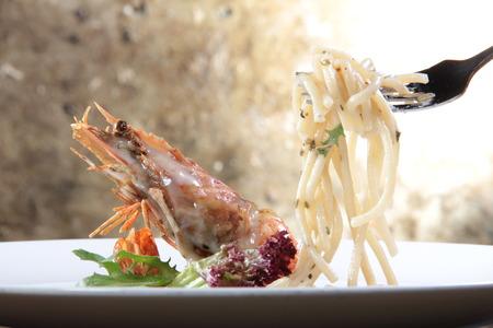 macarrones: a cuisine photo of italian pasta