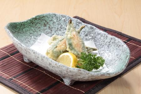 Lekker zelfgemaakt voorgerecht geserveerd in een bord