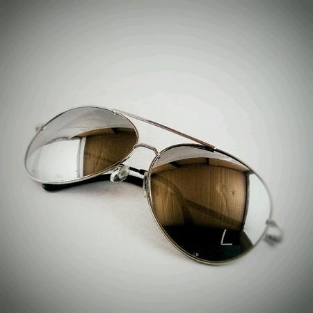 eye: Sunglasses is cool