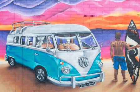 Adelaide, Australien - 18. Oktober 2015: Straßenkunst von unbekannten Künstler in Christies Beach. Adelaide Stadtverwaltung erkennt die Bedeutung der Straßenkunst in einer pulsierenden Stadt zu schaffen.