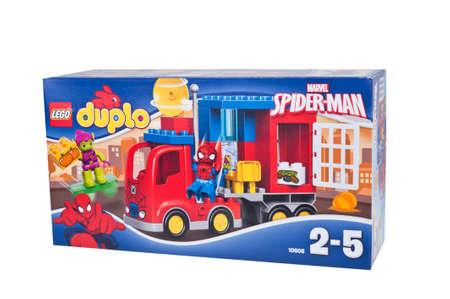 Adelaide, Australië - 25 december 2015: Een studio-opname van een Lego Duplo 10.608 Spiderman Spider Truck Adventure Kit van de populaire Lego Duplo-serie. Lego is zeer populair over de hele wereld met kinderen en verzamelaars.