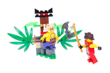 australia jungle: Adelaide, Australia - January 03, 2016: A studio shot of aLego 70752 Jungle Trap Kit from the popular lego theme Ninjago. Lego is extremely popular worldwide with children and collectors. Editorial