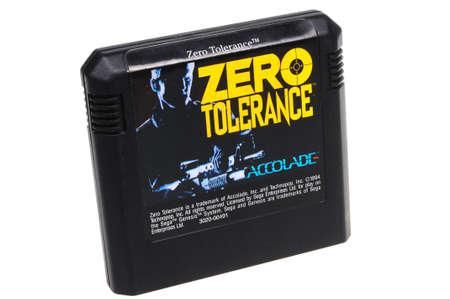 tolerancia: Adelaide, Australia - Febrero 23 de 2016: Un estudio tir� de una tolerancia cero Sega Genesis juego cartucho. Un juego de video populares desde la d�cada de 1990, es popular entre los coleccionistas y jugadores de todo el mundo retro.
