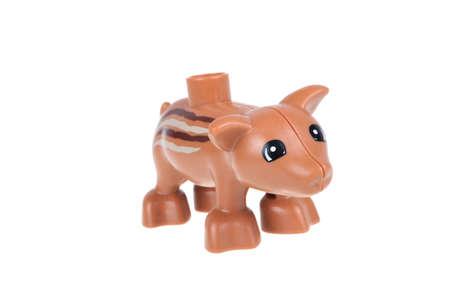 Adelaide, Australië - 27 december 2015: Een studio die van een varken Lego duplo minifigure. Lego Duplo is desinged voor jongere kinderen met grotere blokken en figuren. Lego is zeer populair over de hele wereld met kinderen en verzamelaars. Stockfoto - 56535660
