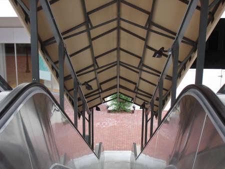 Escalator going down Banco de Imagens
