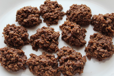 close up of unbaked oatmeal cookies