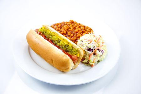 Hot Dog with Baked Beans and Coleslaw Stockfoto