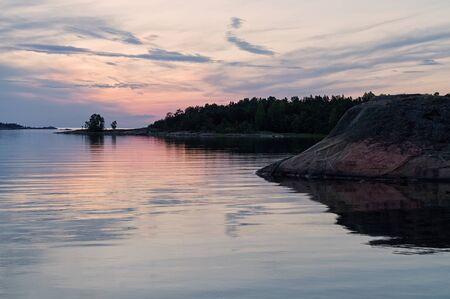 스톡홀름 군도에서 일몰 후.