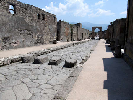 Pompeii, mecurio street photo