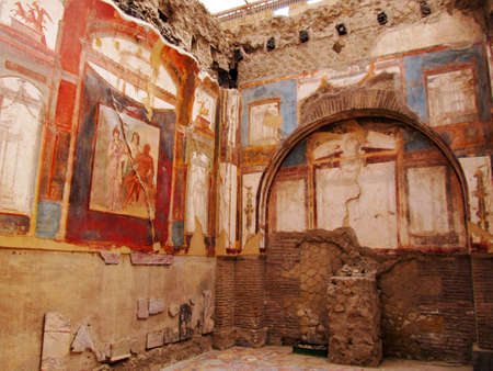 Ancient painted wall frescos at the ancient Roman city of Herculaneum, which was destroyed and buried during the eruption of Mount Vesuvius in 79 AD  Reklamní fotografie - 17118675
