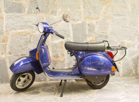 azul Motor Scooter Vespa Foto de archivo - 19540966