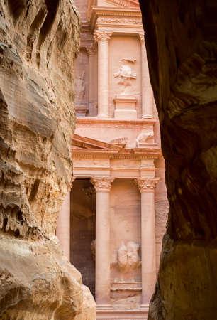 khazneh: Al Khazneh or The Treasury at Petra in jordan