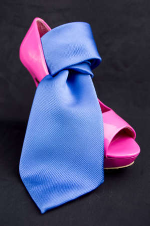 peep toe: womanish pink shoe with neck blue tie