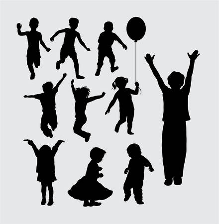 Kid playing silhouettes Vettoriali