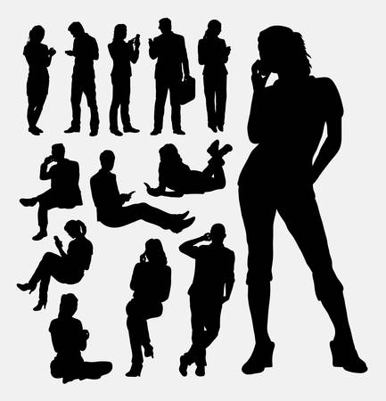 Male and female people with mobile phone silhouettes Ilustração
