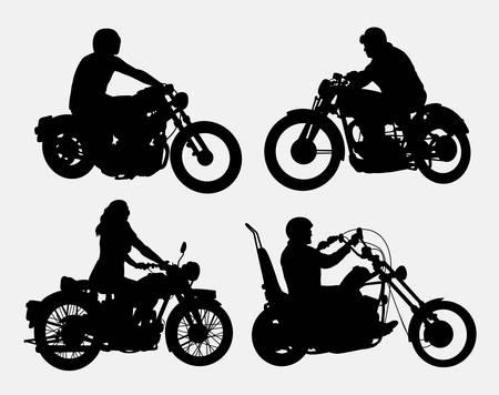男性と女性のシルエットのビンテージ バイクに乗って