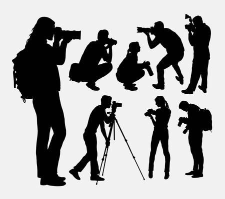 El fotógrafo de sexo masculino y siluetas femeninas. Buen uso de símbolo, logotipo, icono del Web, mascota, o cualquier diseño que desee. Fácil de usar. Logos