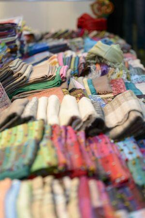 sciarpe: stack of multicolored cotton scarves Archivio Fotografico